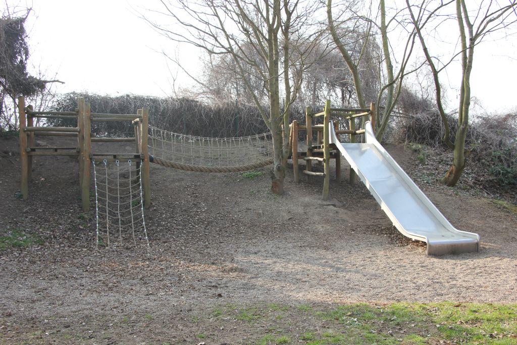 Klettergerüst Hängebrücke : Projekte